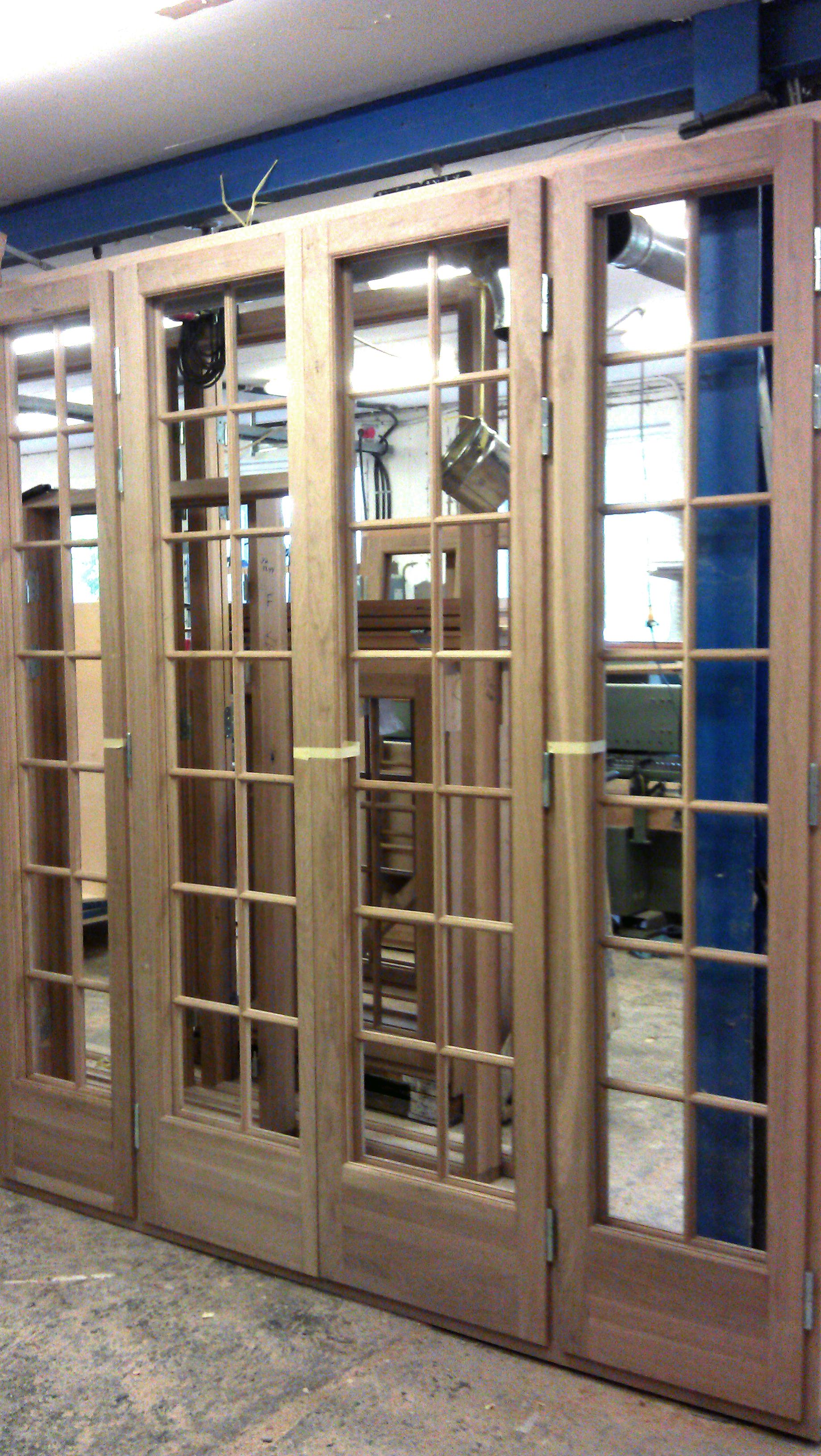 Fönster stora i trä